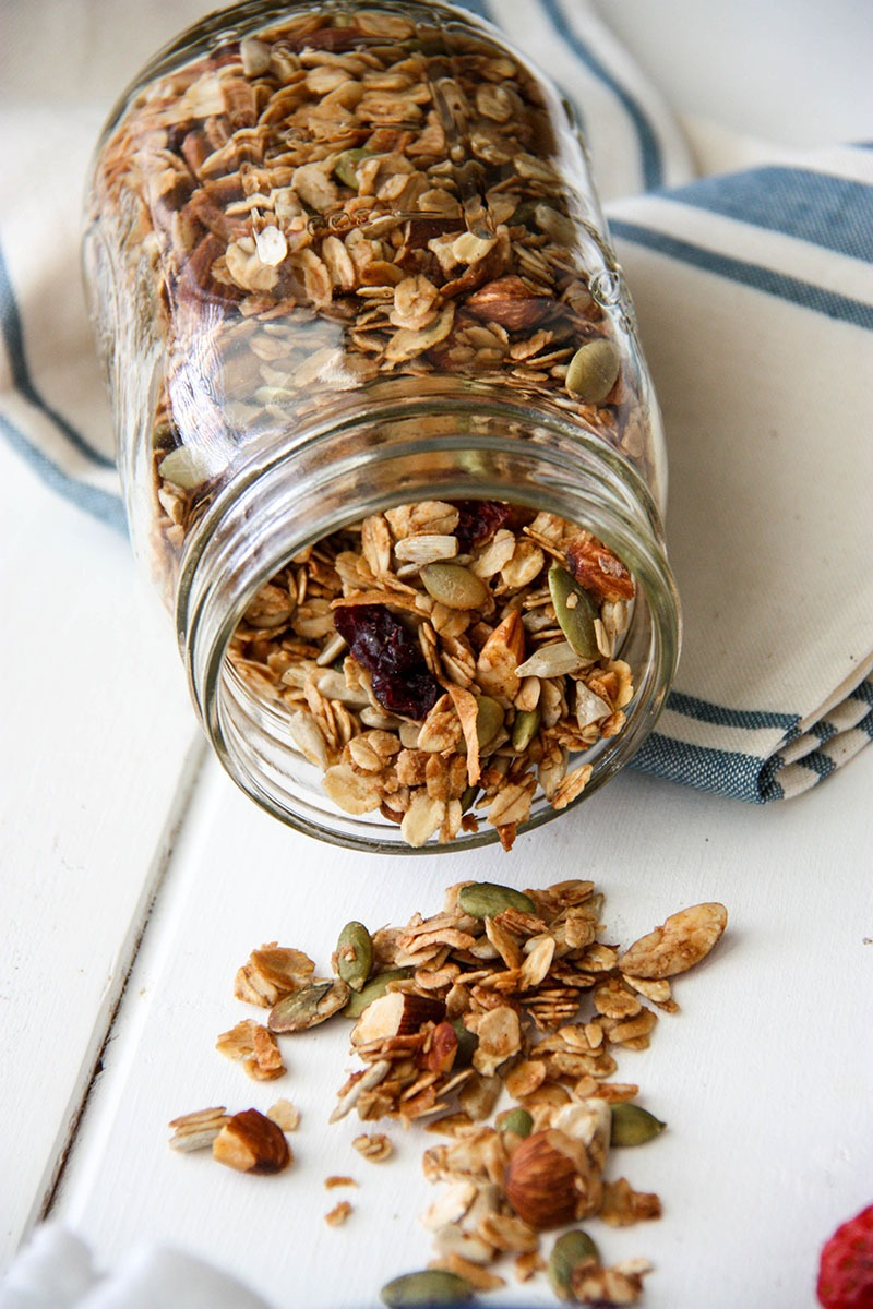 Basic Granola with Cinnamon & Honey www.thehomecookskitchen.com