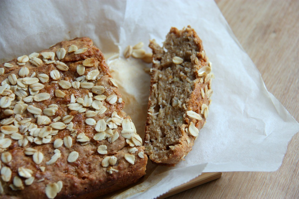 banana and coconut bread www.thehomecookskitchen.com