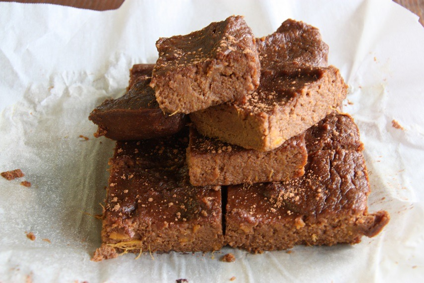 sweet potato brownies www.thehomecookskitchen.com
