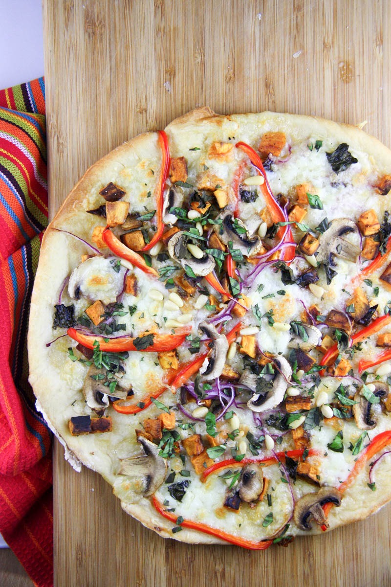 Homemade Vegetarian Pizza www.thehomecookskitchen.com