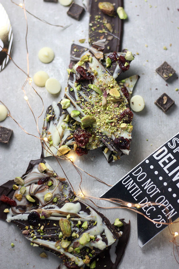 Chocolate Bark four Ways a great gift idea for the holidays www.thehomecookskitchen.com