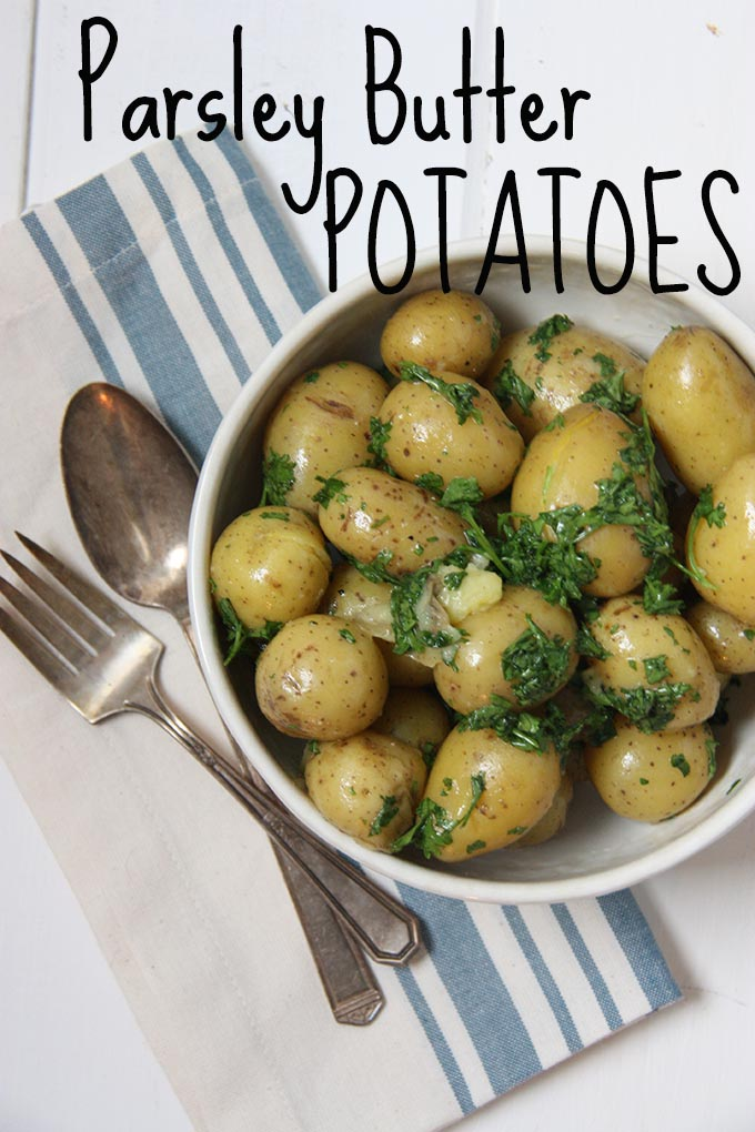 Parsley Butter Potatoes www.thehomecookskitchen.com - the perfect side when you need something easy and delicious!