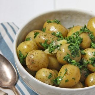 parsley butter potatoes healthypears-com-christmas-special-side-dish-christmas-side