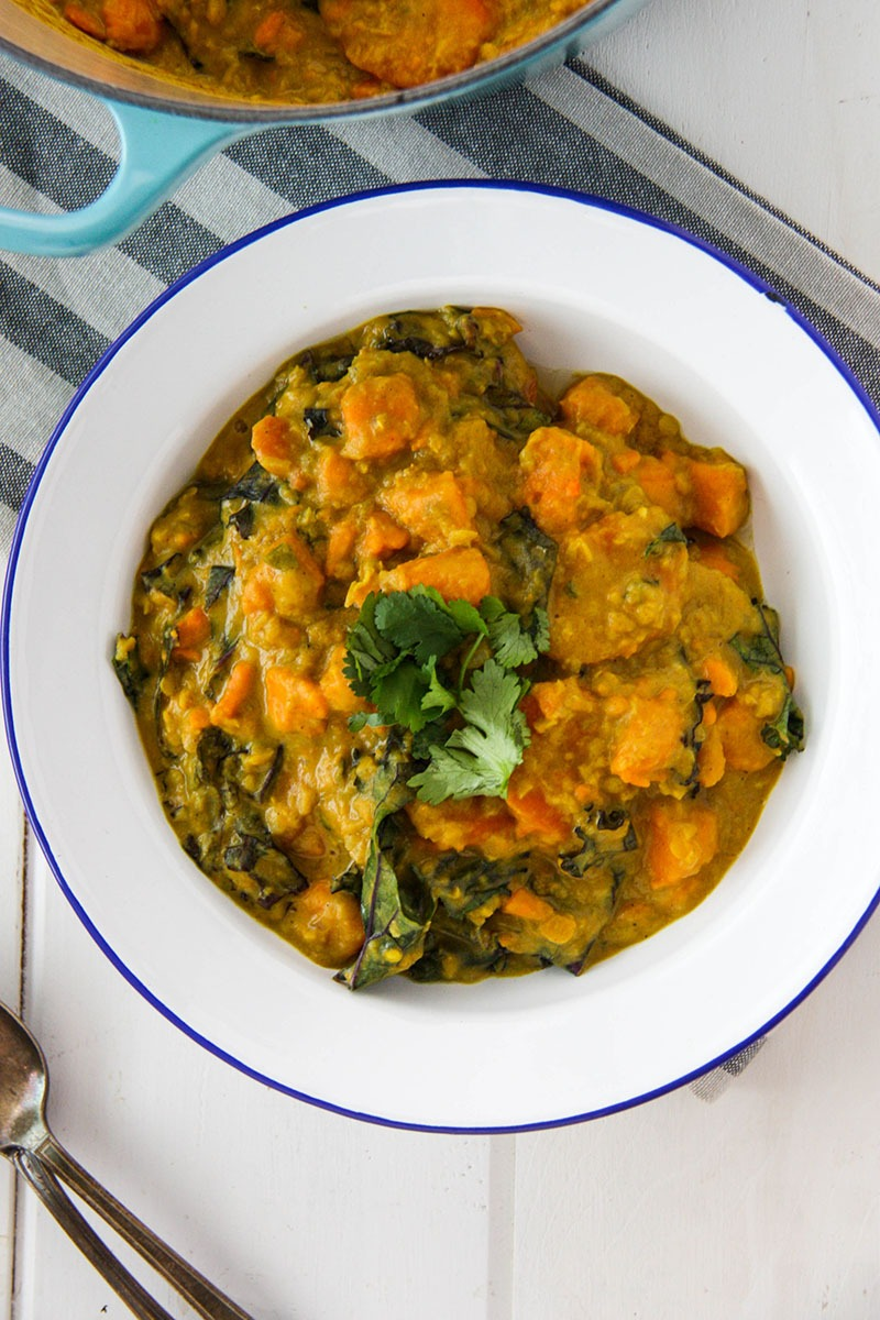 Sweet Potato, Lentil & Kale Curry www.thehomecookskitchen.com easy weeknight vegetarian meal