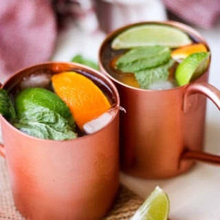 Citrus Ginger Dark & Stormy - a perfect cocktail for the Summe. Light, refreshing & delicious www.thehomecookskitchen.com