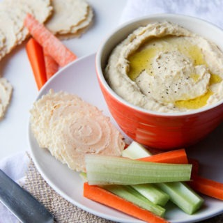 Easy, Creamy Hummus www.thehomecookskitchen.com asy to make, perfectly balanced and absolutely delicious!