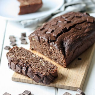 Chocolate Banana Bread - the perfect snack www.thehomecookskitchen.com