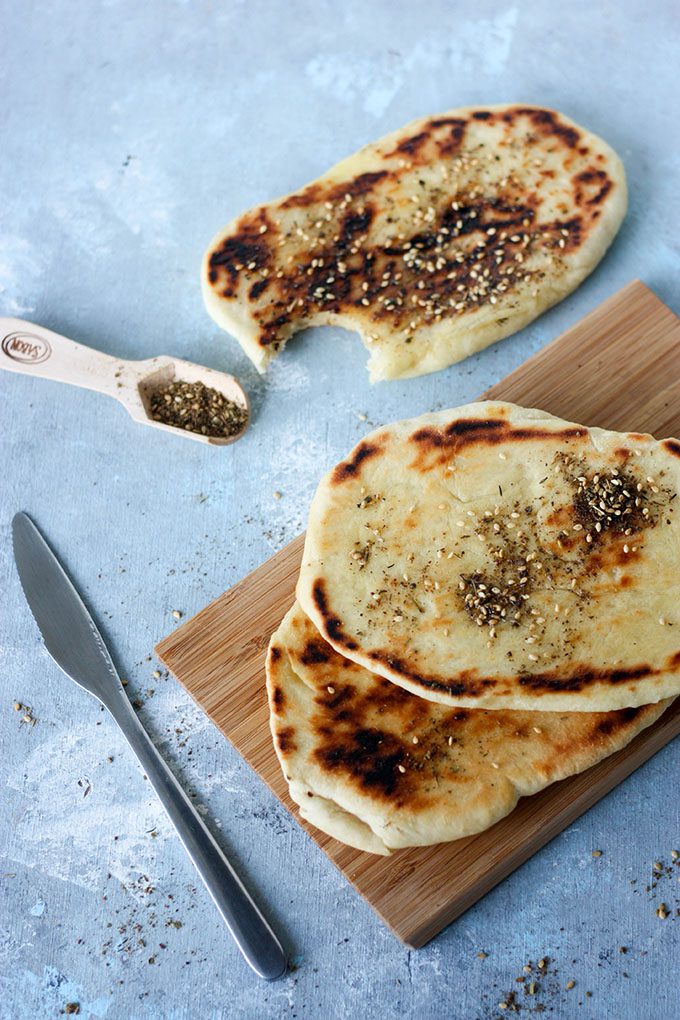 Light and fluffy, slightly salted spice blend za'atar naan bread www.thehomecookskitchen.com