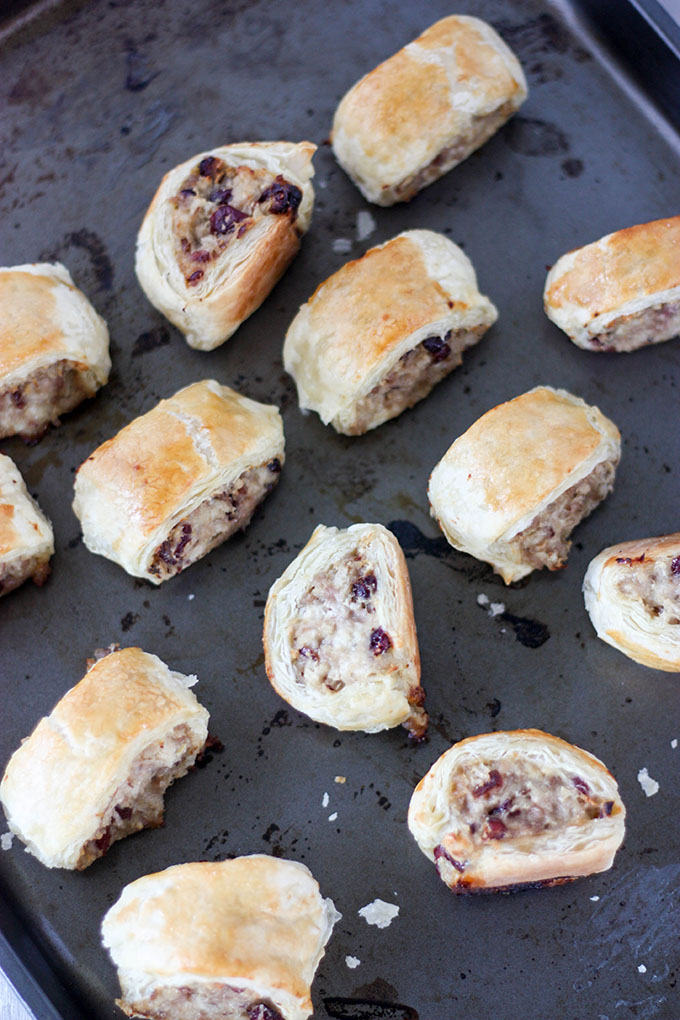 Pork Cranberry & Goat Cheese sausage rolls - a great appetizer for the holiday season www.thehomecookskitchen.com