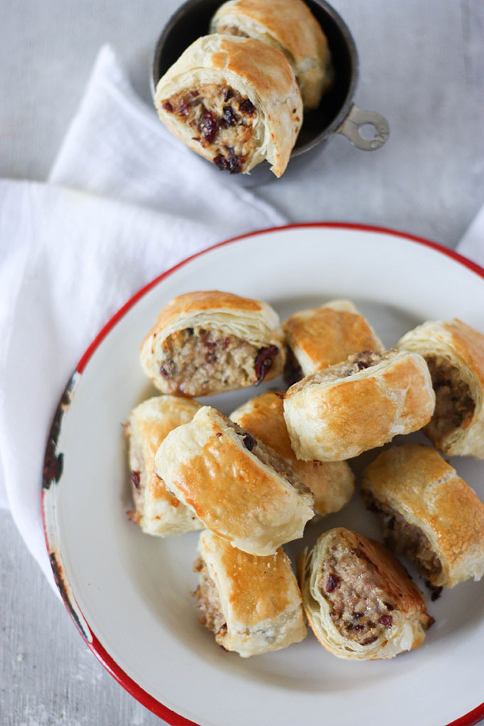 Pork Cranberry & Goat Cheese sausage rolls - start planning the perfect holiday season feast www.thehomecookskitchen.com
