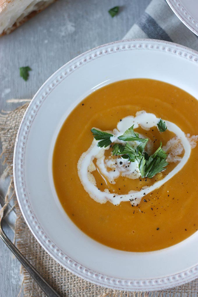 Pumpkin Sweet Potato Soup - a simple, easy filling soup perfect for the fall www.thehomecookskitchen.com #soup #pumpkinsoup #fallrecipes