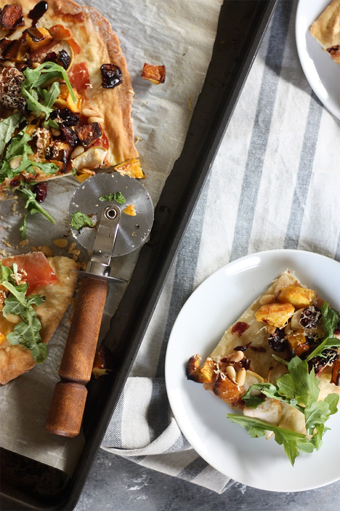 Fall Harvest Pizza www.thehomecookskitchen.com perfect for date night