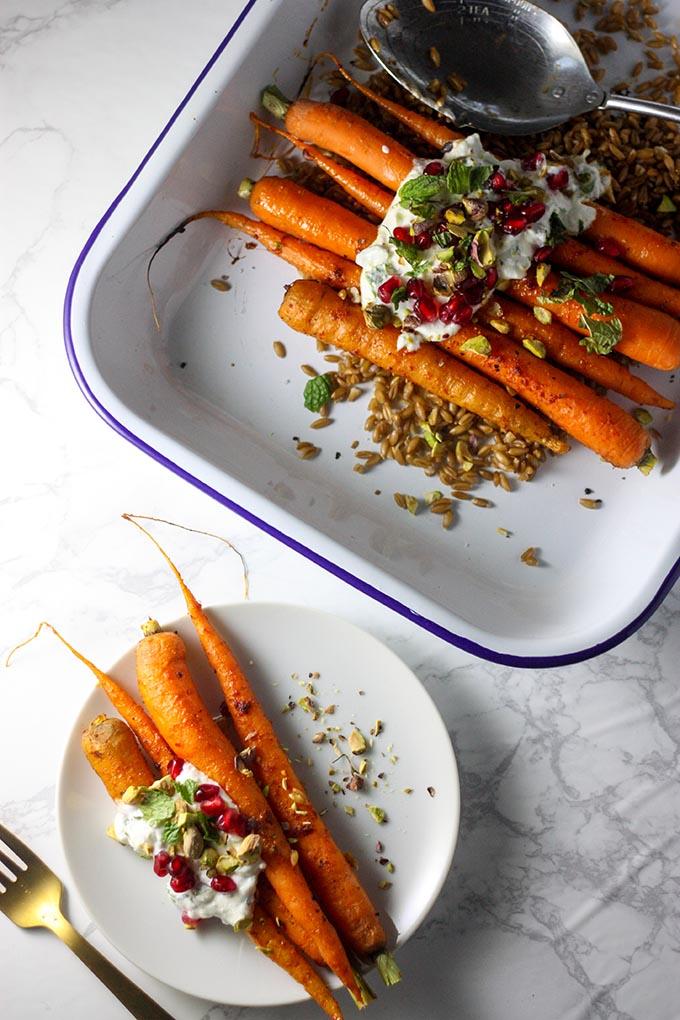 www.thehomecookskitchen.com Roasted baby carrots with farro + lemon mint yoghurt dressing