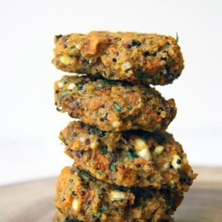 easy vegetarian sweet potato quinoa burgers | healthypears.com