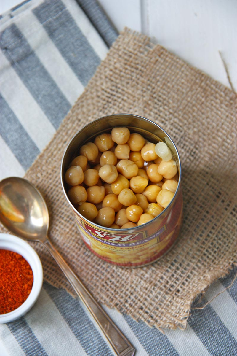 Harissa Roasted Chickpeas www.thehomecookskitchen.com - the perfect savoury snack