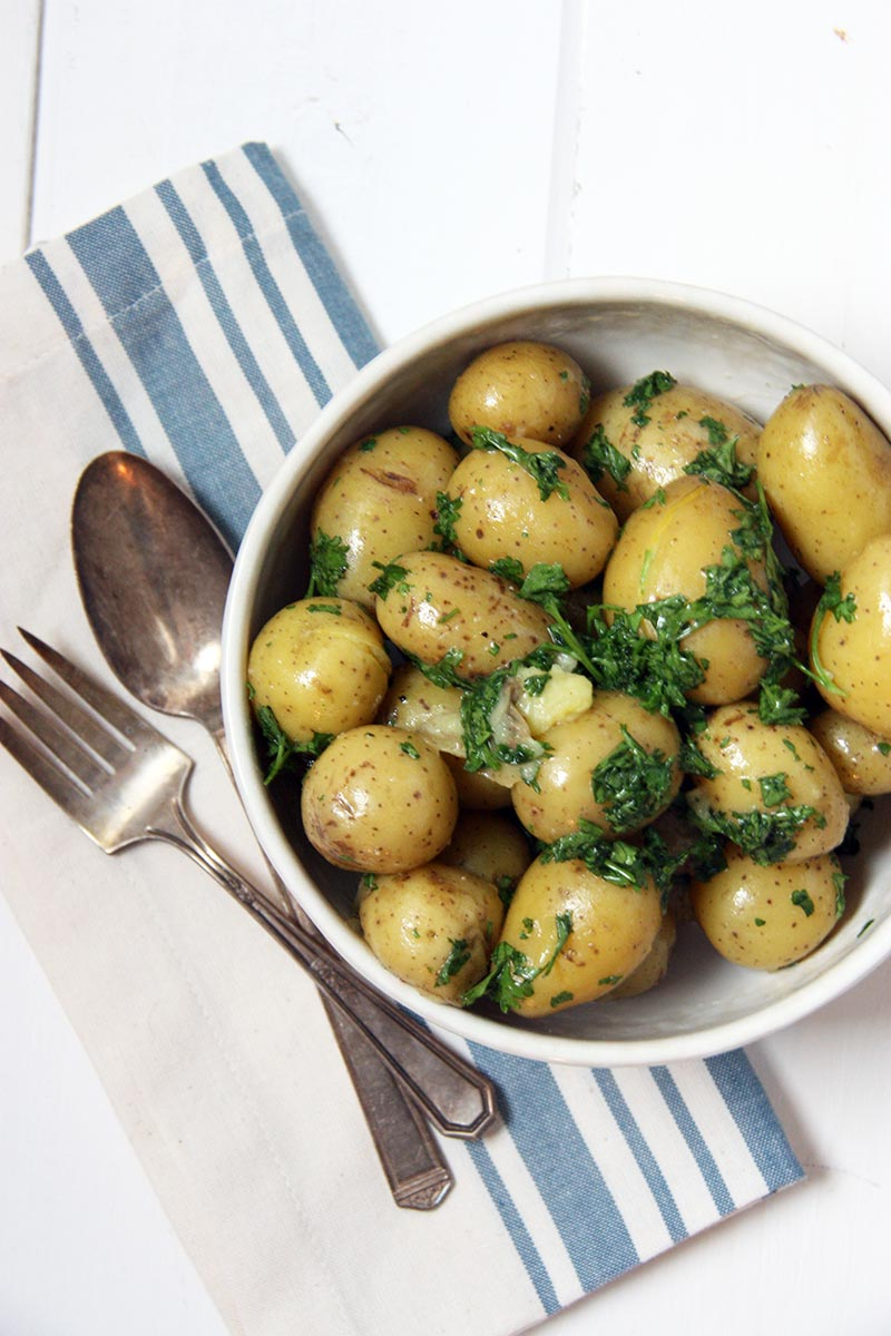 Parsley Butter Potatoes www.thehomecookskitchen.com a perfect, easy, simple side
