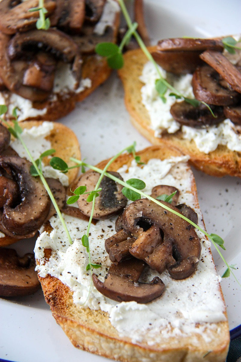 Mushroom Goat Cheese Bruschetta - perfect for a lazy weekend brunch or dinner get the recipe at www.thehomecookskitchen