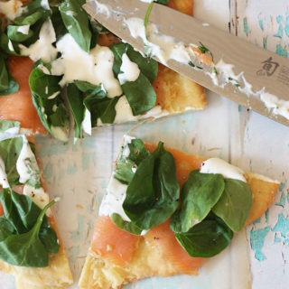 www.thehomecookskitchen.com smoked salmon pizza