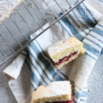 Victoria Sponge Cake - a light and fluffy sponge filled with fresh jam www.thehomecookskitchen.com