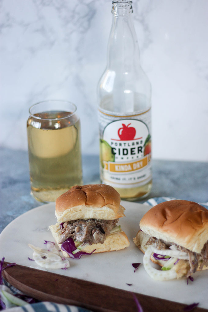 Apple Cider Pulled Pork Sliders www.thehomecookskitchen.com - the perfect app for a game day or party!