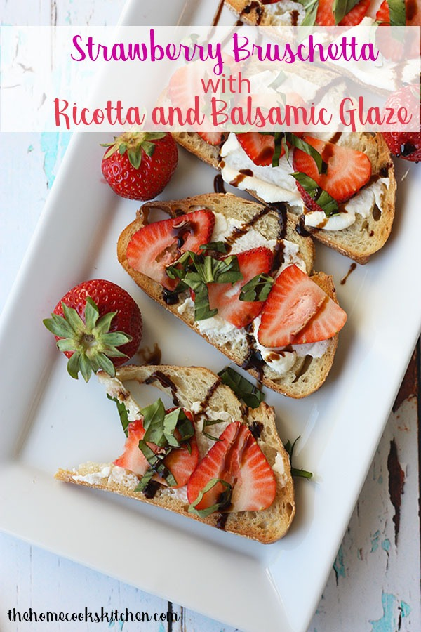 This strawberry bruschetta is a perfect brunch recipe when you want something light, quick, easy and delicious! Crunchy bread topped with a light ricotta cheese, with a subtle yet delicious balsamic and basil flavour, this is perfect for summer breakfast! #bruschetta #breakfastrecipe #strawberrybruschetta