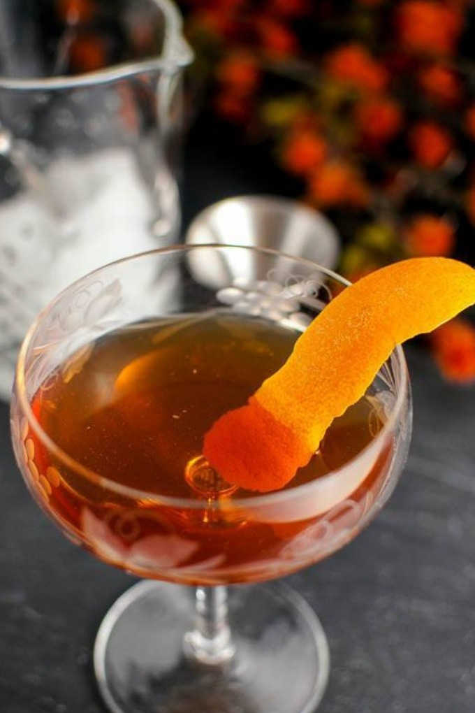 15 fall cocktails - woodsman apple jack cocktail in class
