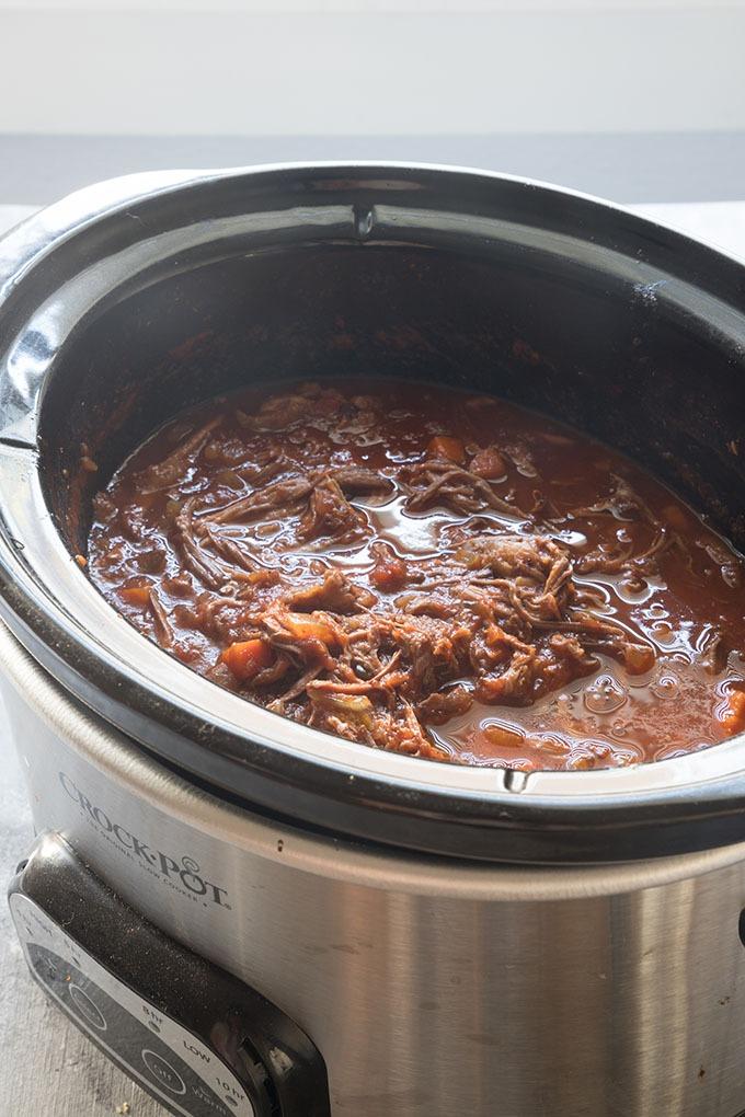 shredded beef in slow cooker