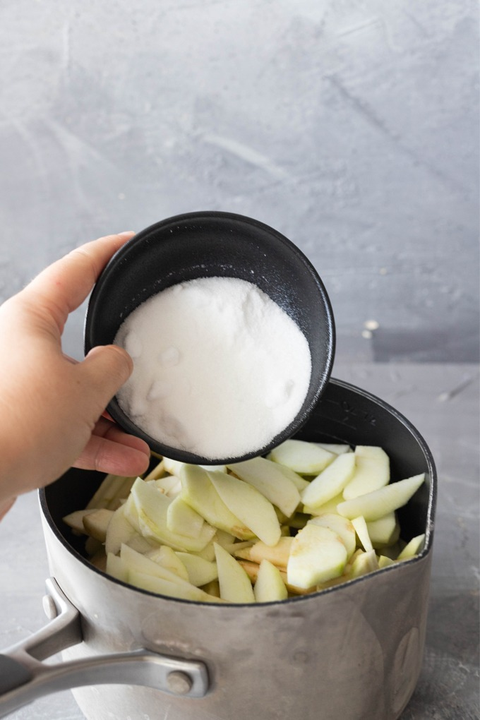 sugar added to apples for stewing