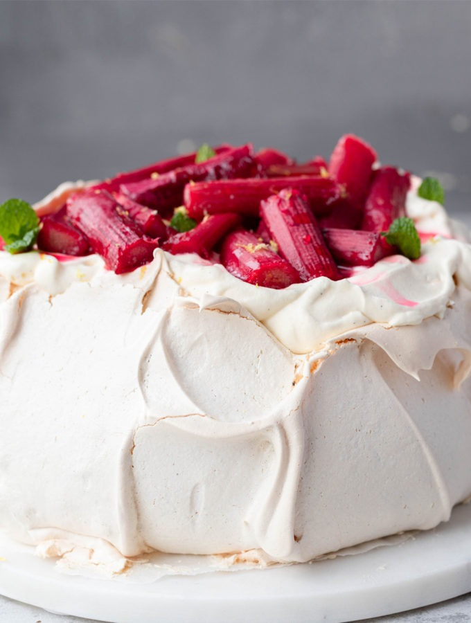 close up Christmas pavlova