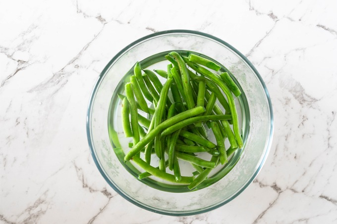 green beans blanched in bowl